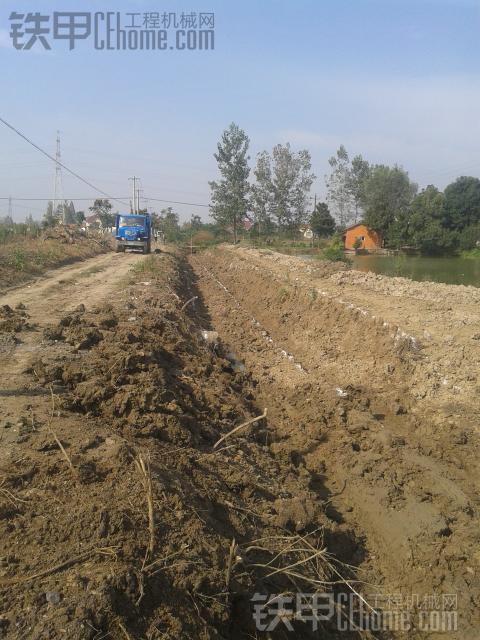小挖机挖沟一天能挖多少