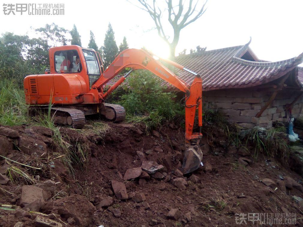 新筑 XZ60-8 二手挖掘机价格 6万 4000小时