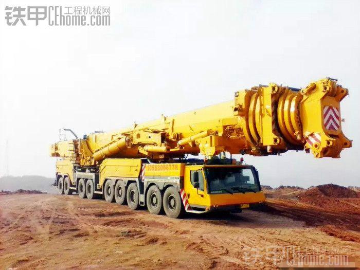 一千2百吨吊车图片
