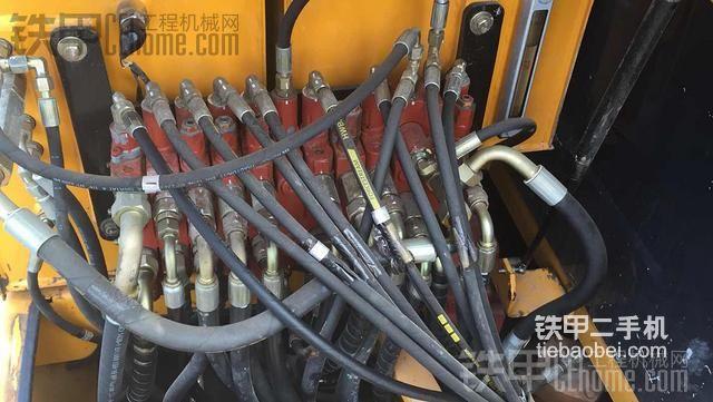 斗山大泵和KYB分配器匹配行么??