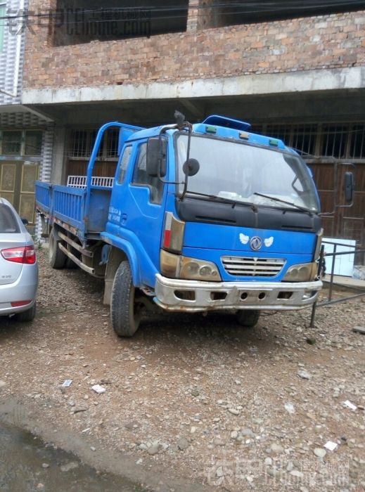售东风4102拖车 1万8