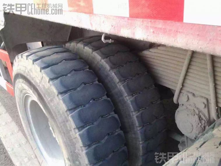 出售09年豪沃290马力翻斗车 5米6 车况精品 刚验的车 必须过户