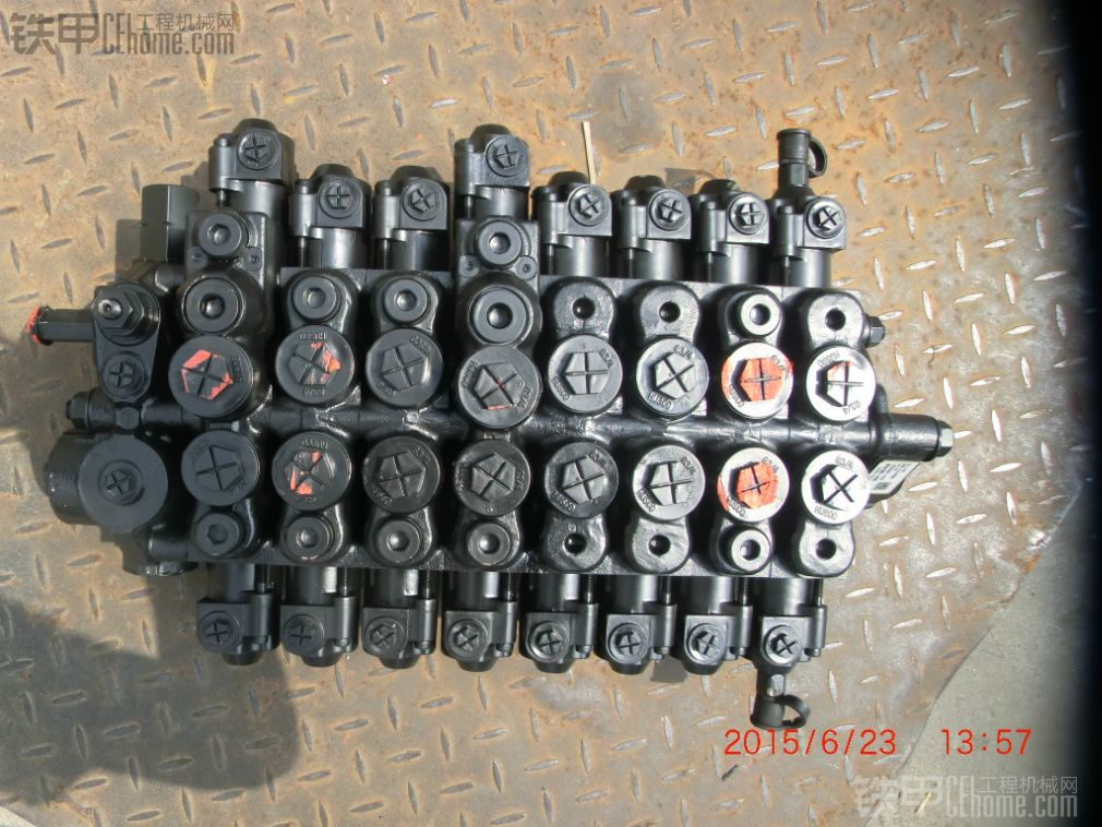 出售三一75原装主控阀
