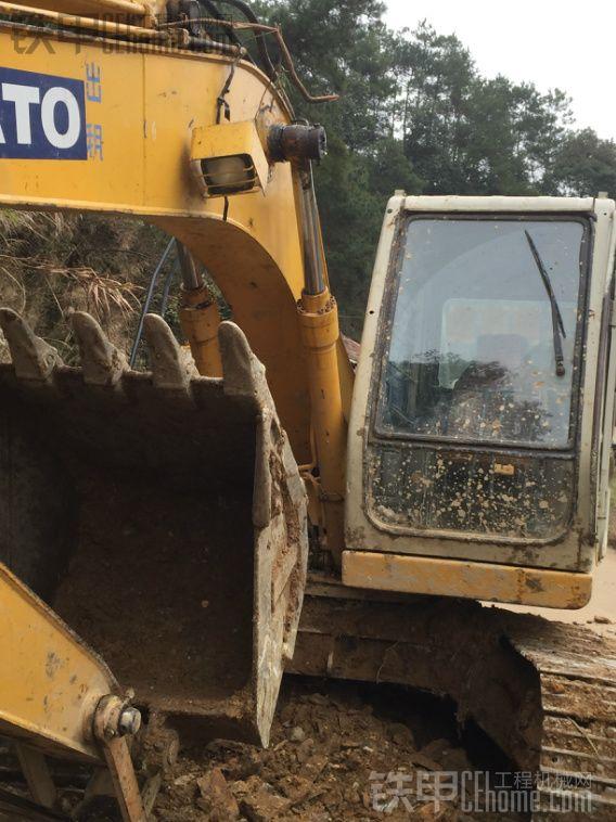 加藤 HD512 二手挖掘机价格 36万 8000小时