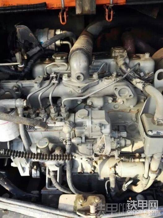 斗山55五十铃机头,十年15000小时,校过油泵,换过涨紧轮,空调压缩机,其他没动过:lol