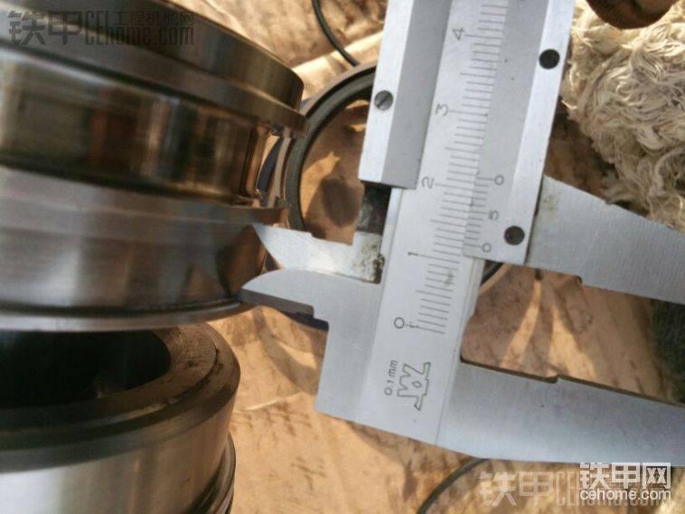 量尺寸,以后用散件,这次缸头油封就是用的散件,缸头主油封已经改掉,