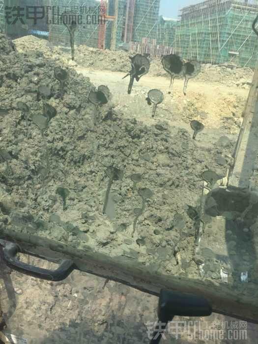 我的挖掘机看看值多少钱