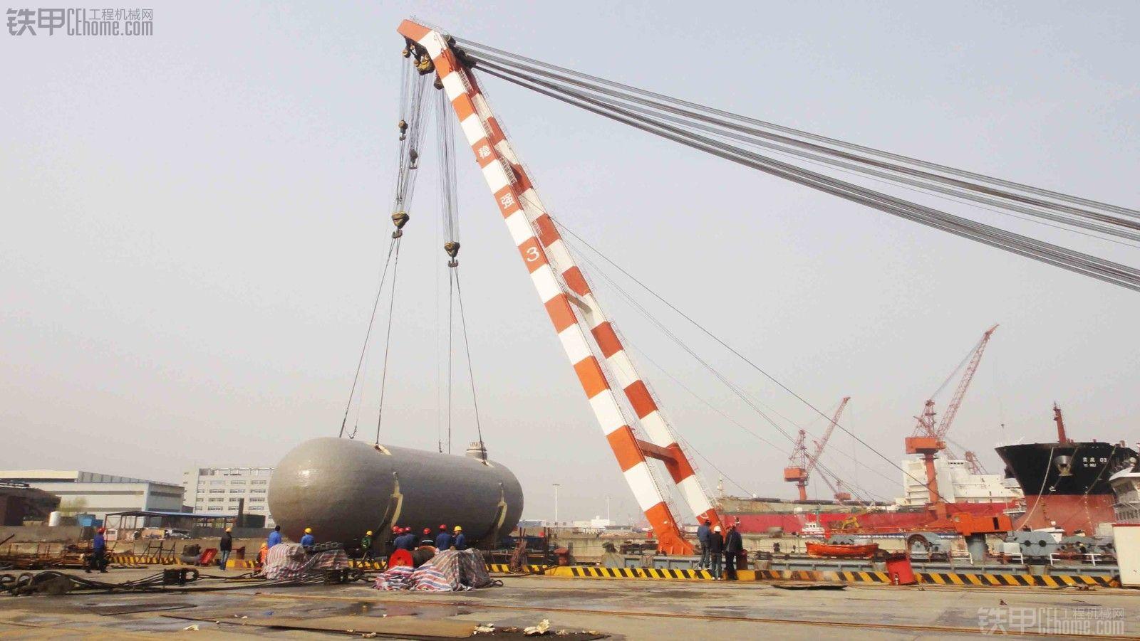 洋口港栈桥吊装-1300吨自航浮吊 稳强3