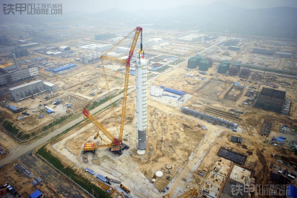 徐工XGC88000吊装丙烯塔设备