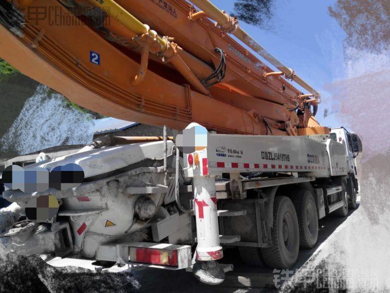 出售13年奔驰中联49米泵车 车况精品18515668697