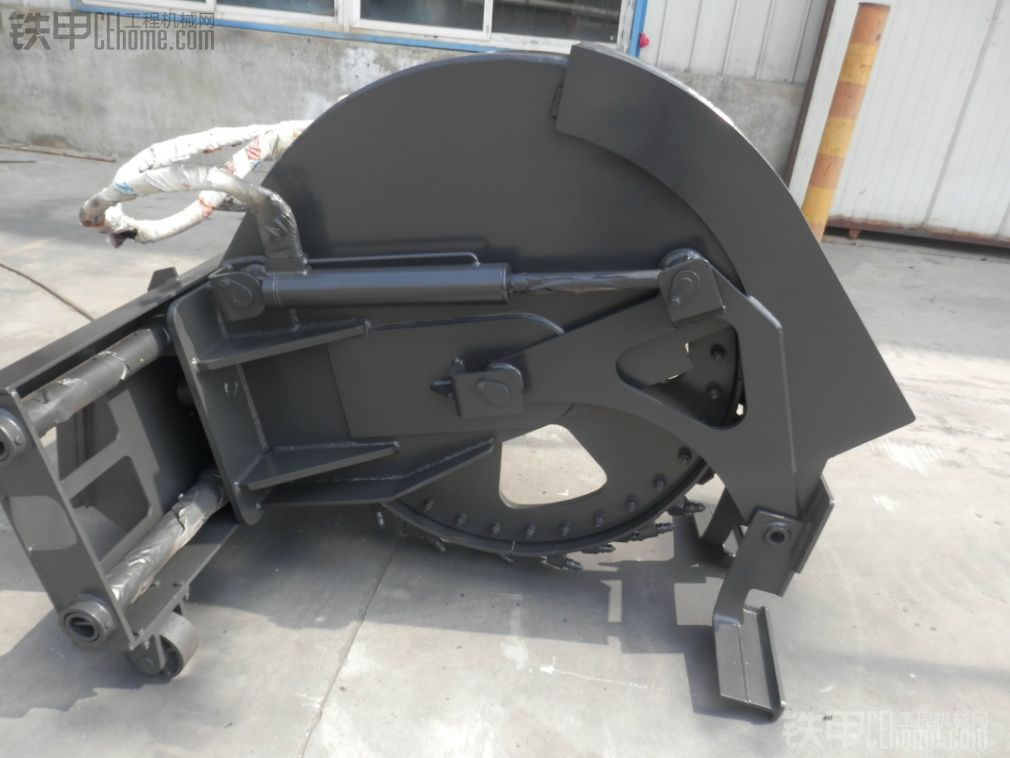 滑移装载机在建筑工程中的多功能应用