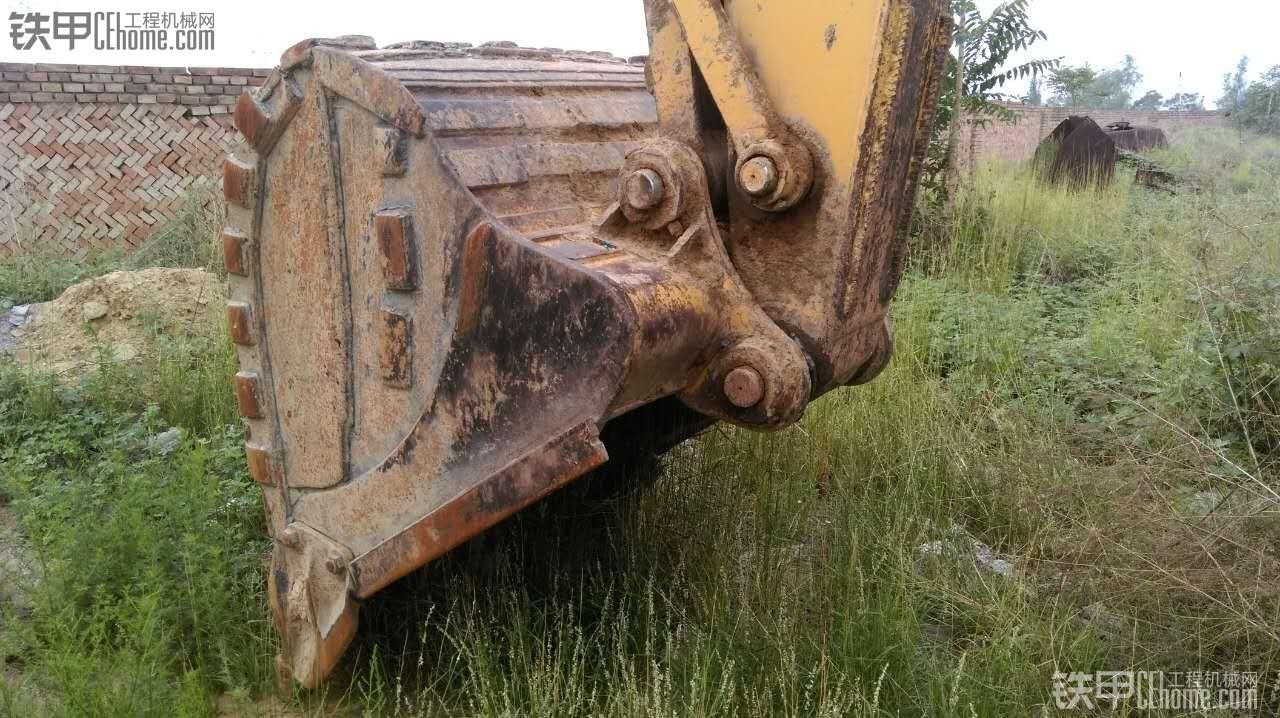卡特彼勒 CAT320D 二手挖掘机价格 42万 9000小时
