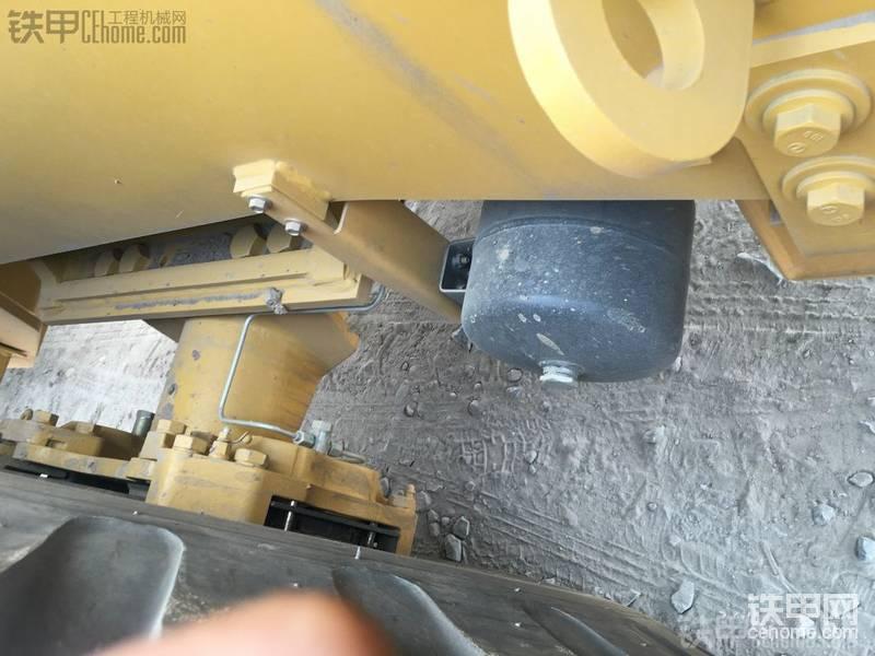 【设备对比】日林50E-5与雷沃FL956F+