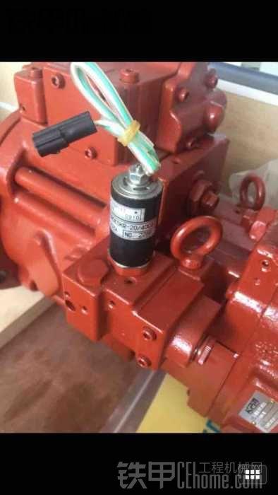 住友200换液压泵