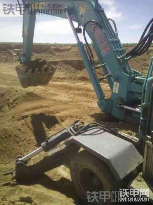 小型挖掘機作業-帖子圖片