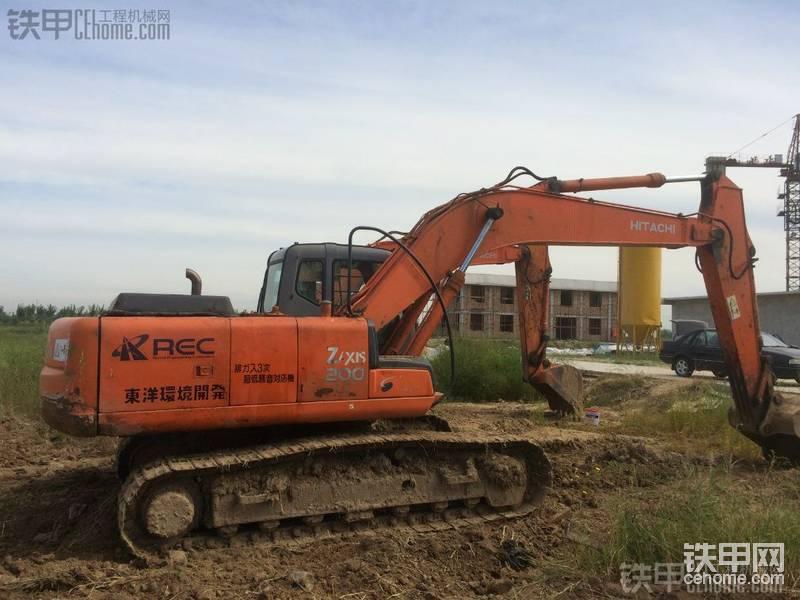 日立 ZX200 二手挖掘机价格 25万 10000小时