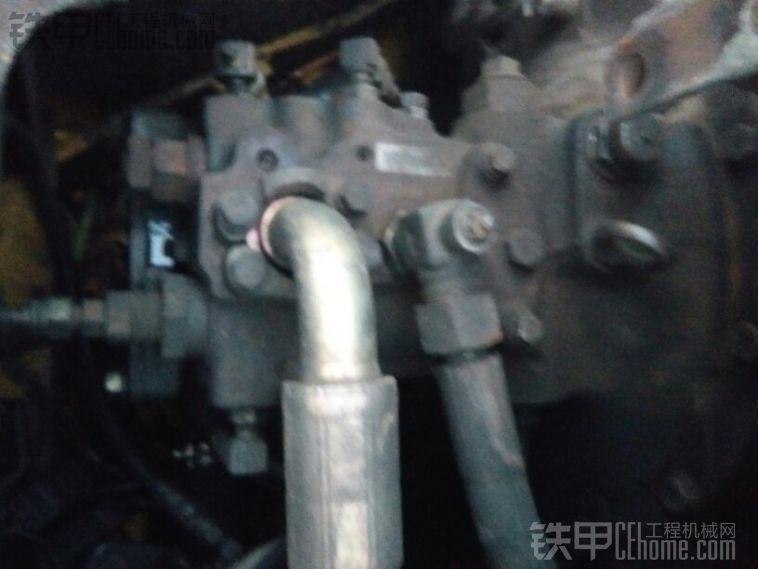 这个是小松60-7的液压泵,专用泵,正控,只要泵性能好,越用越有力,价格贵,维修便宜 ...