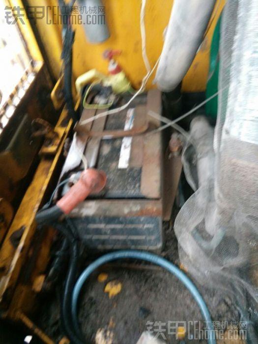 徐工是用的12伏线路,冬天启动会成问题,用电电流大,隐患多,