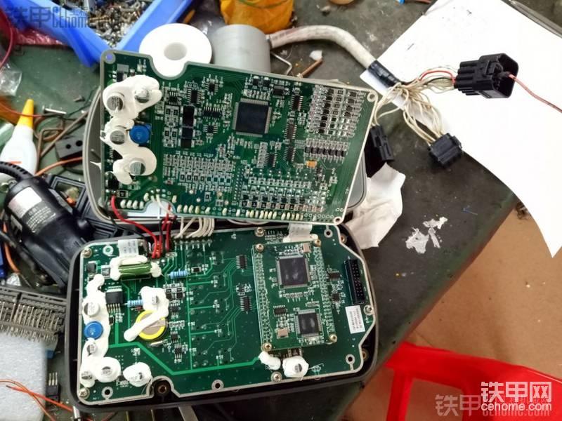 維修挖掘機電腦板儀表調時間-帖子圖片
