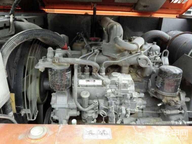 13年日立60车,五十铃发动机怎么会是11年的求解