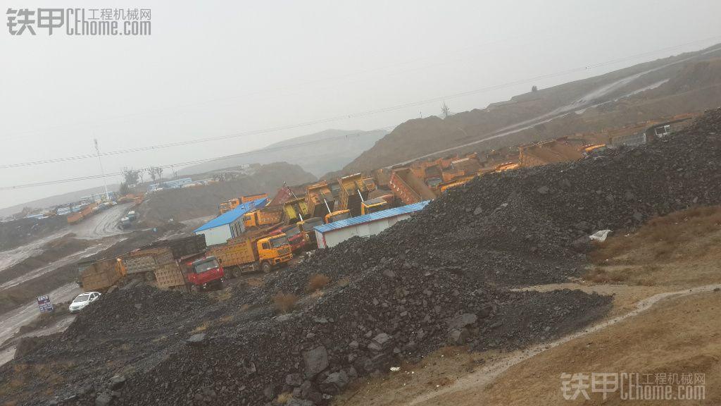 山西工地需要360挖机在大也可以有的赶紧了