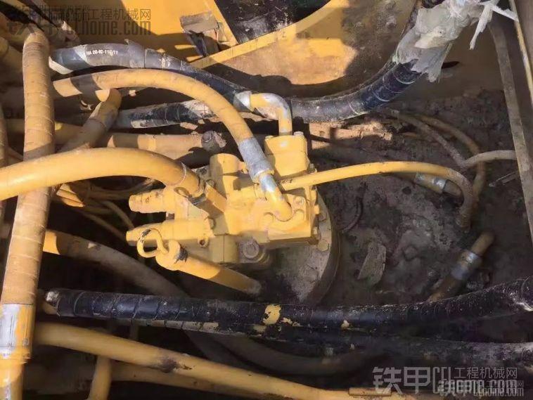 卡特彼勒 323DL 二手挖掘机价格 53万 6000小时