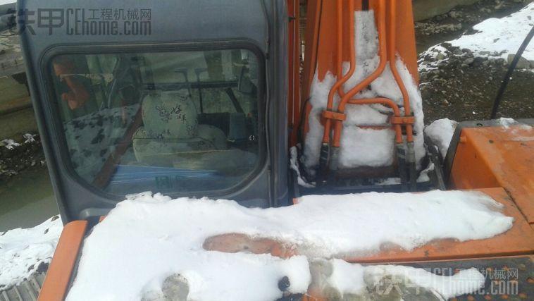 日立日立ZX210LC-3冬季保养心得
