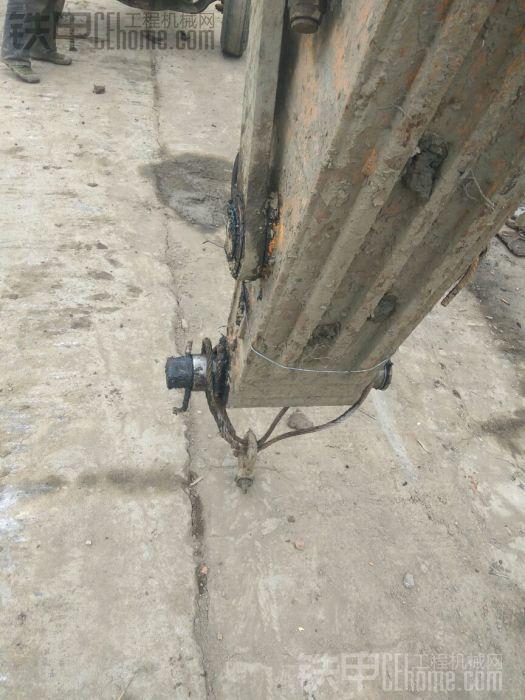挖机变履带吊了