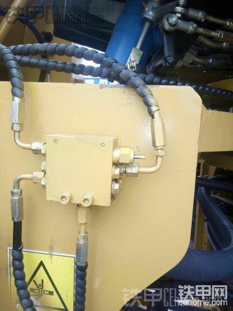 装载机自动润滑系统~山工装载机