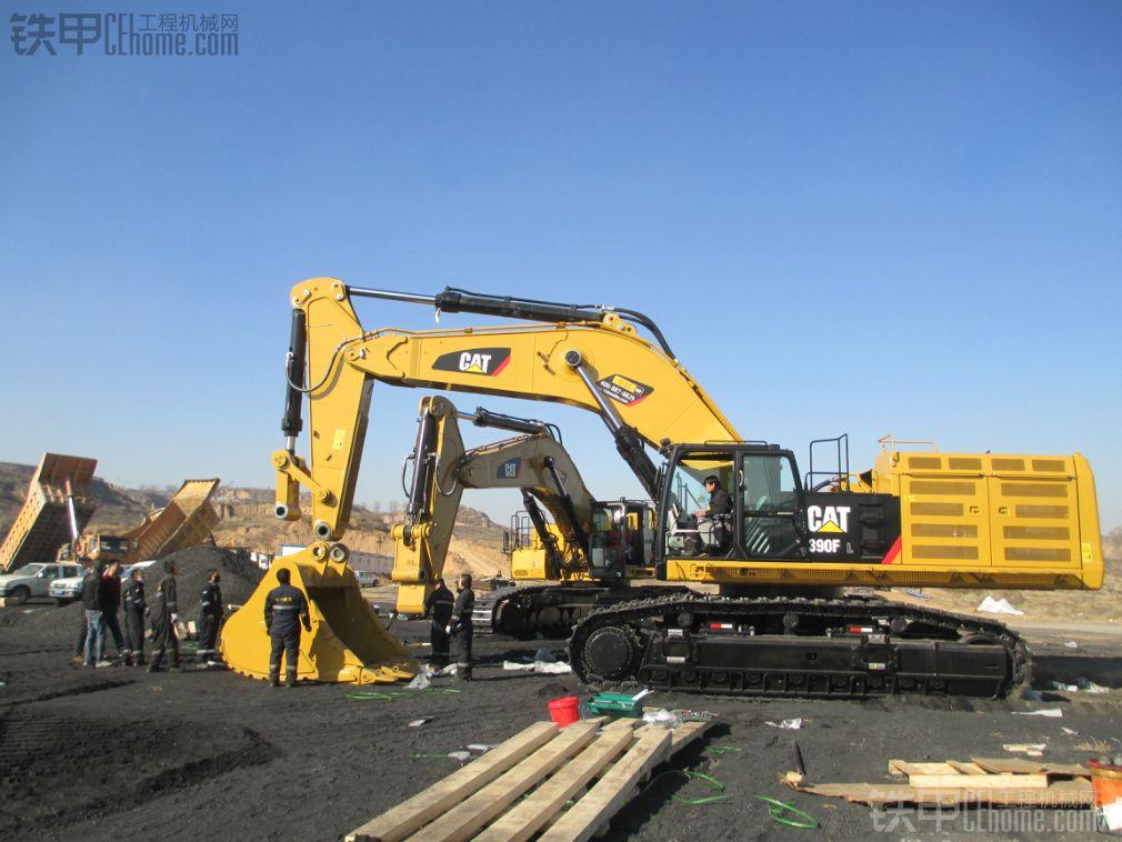 记CAT-390FL大型矿用挖掘机组装全纪录(ECI-METRO)