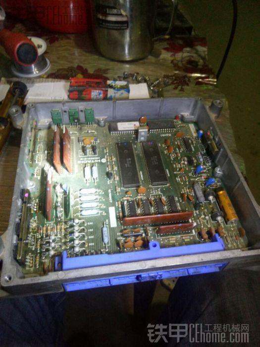 闲来无事,维修一块电脑板。