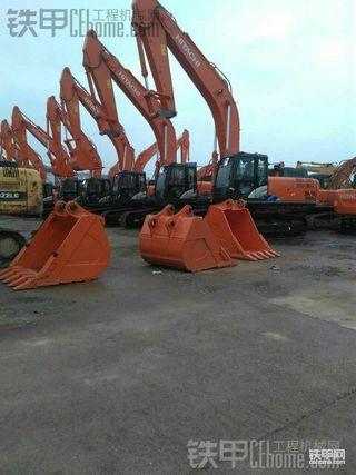 仅供参考!今天试了好几台新挖机 比较中意柳工906d