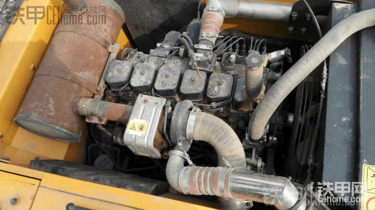 现代225―7五千小时干的土方整车完好求估价