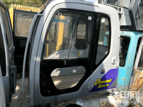 出售挖掘机驾驶室