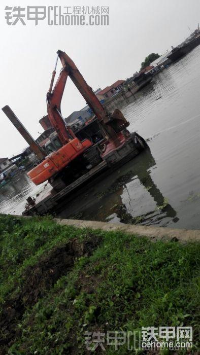 日立330水挖機、定位樁找活干-帖子圖片