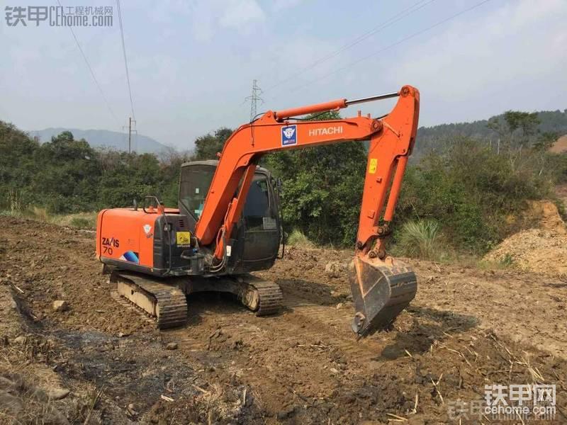 最近忙著挖甘蔗地,也是剛學挖的