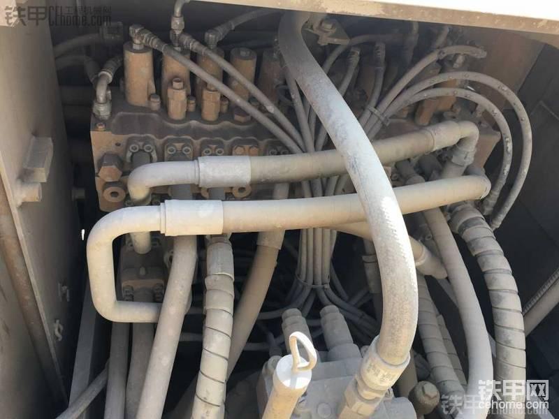 阀没有渗露 就是有点脏 隧道就那环境 一会就脏了