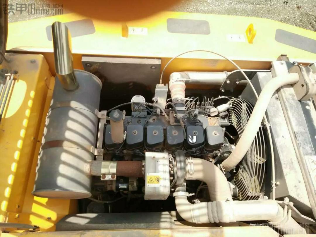现代黑驾驶室挖机值多少钱
