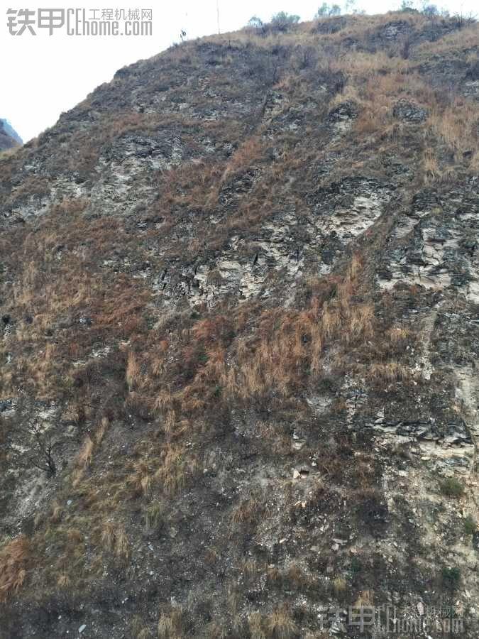 软板岩层修路用什么样的挖机合适