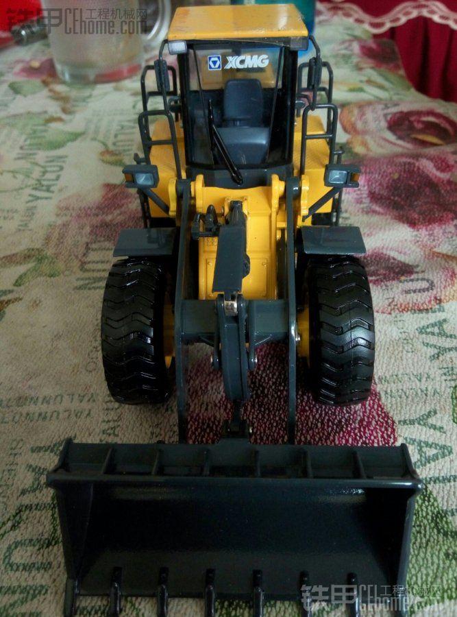 晒一晒铁甲道长送的徐工铲车模型