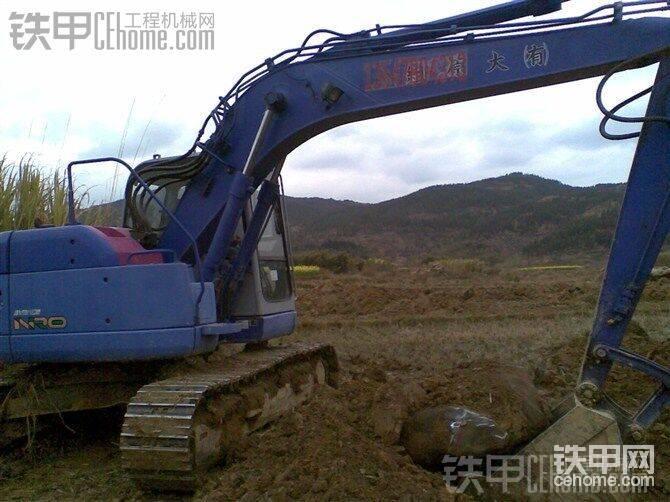 广西区内求购挖机一台,大小在200至230