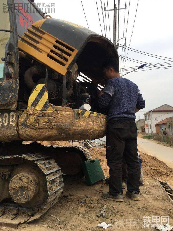 【壳夺天工】沃尔沃EC55D挖掘机壳牌工程机械换油体验报告
