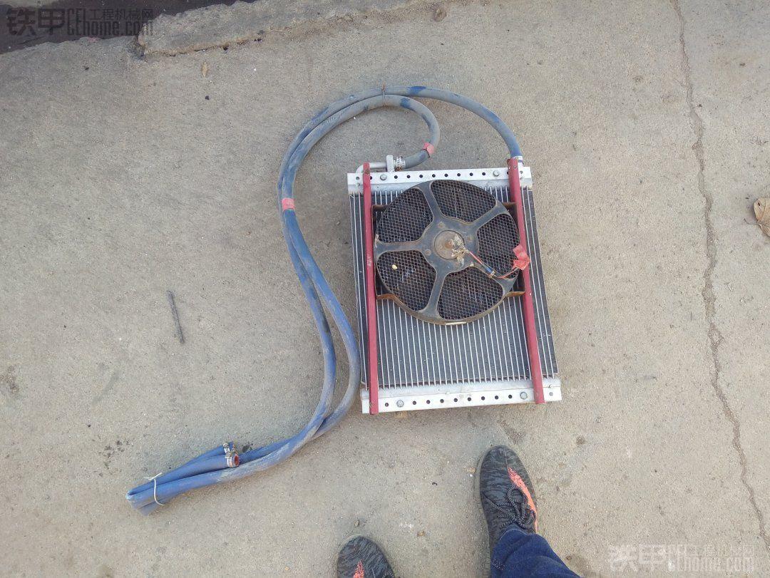 风扇是我捡的,出去干活时在汽修厂捡的,也是老板送的。自己拆下一个风扇用了,风速很 ...