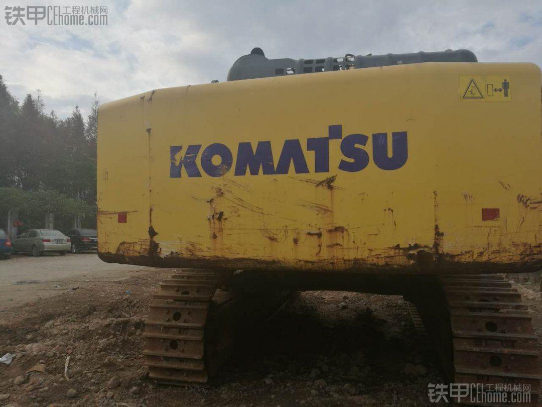 大神来鉴定一下这个超大挖机小松650,值几个钱