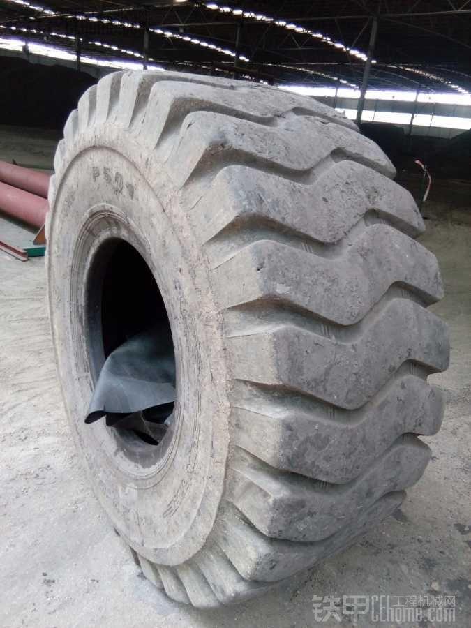 换下来的轮胎,有点可惜了。