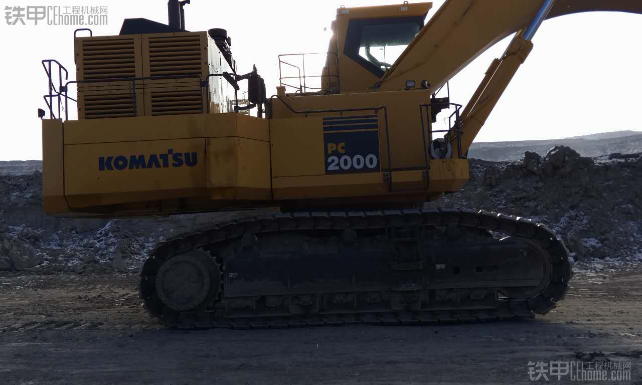 比较大的挖掘机!小松PC2000不是200的挖掘机