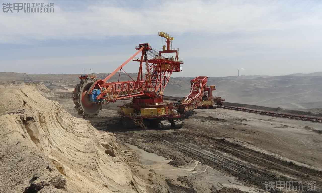大号挖掘机 世界上最牛的一种挖掘机 国内实拍