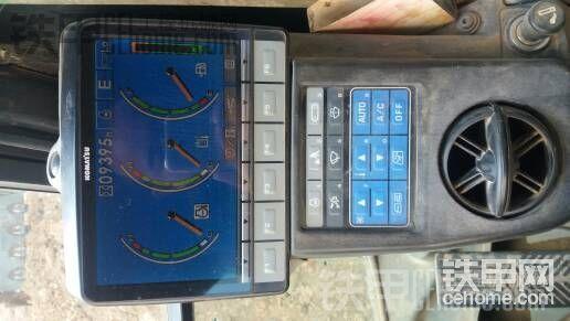 小松 PC220-8 二手挖掘机价格 43万 9400小时帖子图片