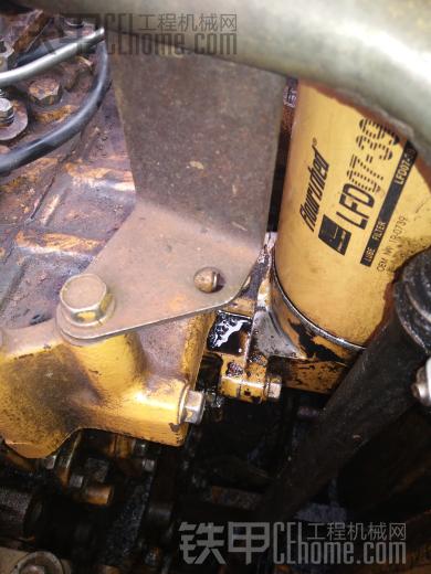 卡特320C带中冷器发动机机油坐漏油