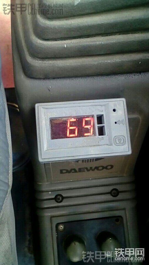 五十铃机头,气温27度,打空调温度